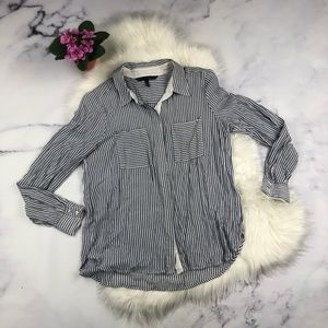 Pretty blue and white striped long sleeve top